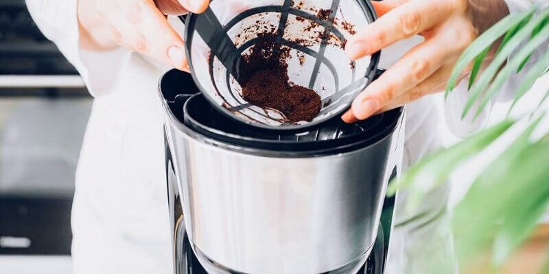 clean-filter-coffee-maker